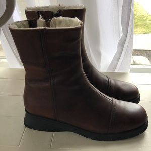 Gorgeous! LACANADIENNE boots! Soooo warm & comfy!!